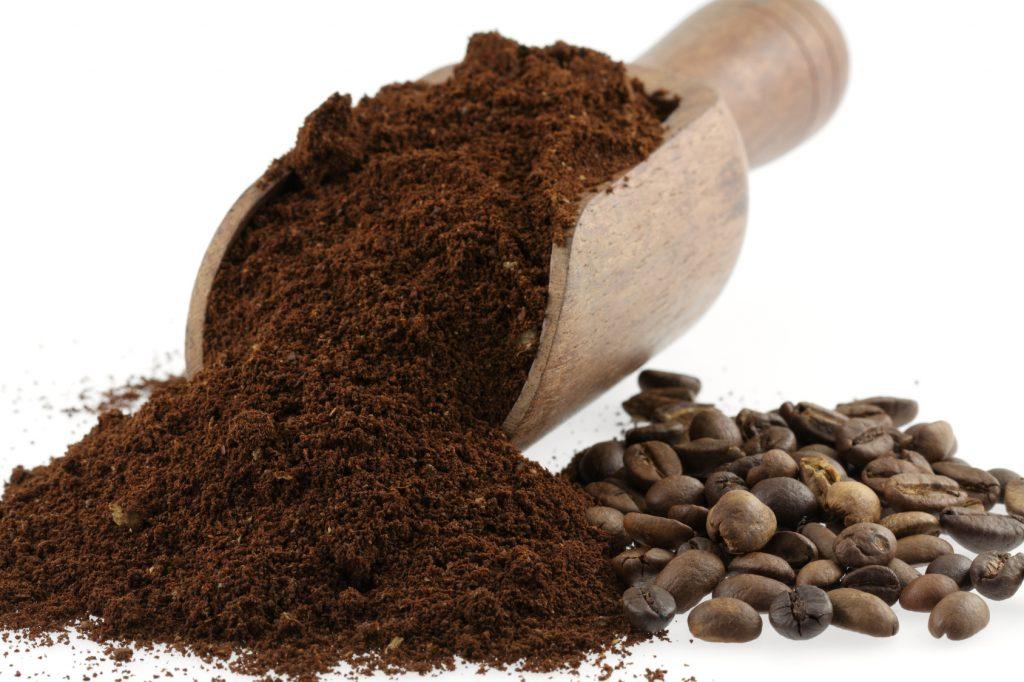 Diy pr parez un soin l 39 argile verte contre la cellulite cellublue - A quoi sert le marc de cafe ...
