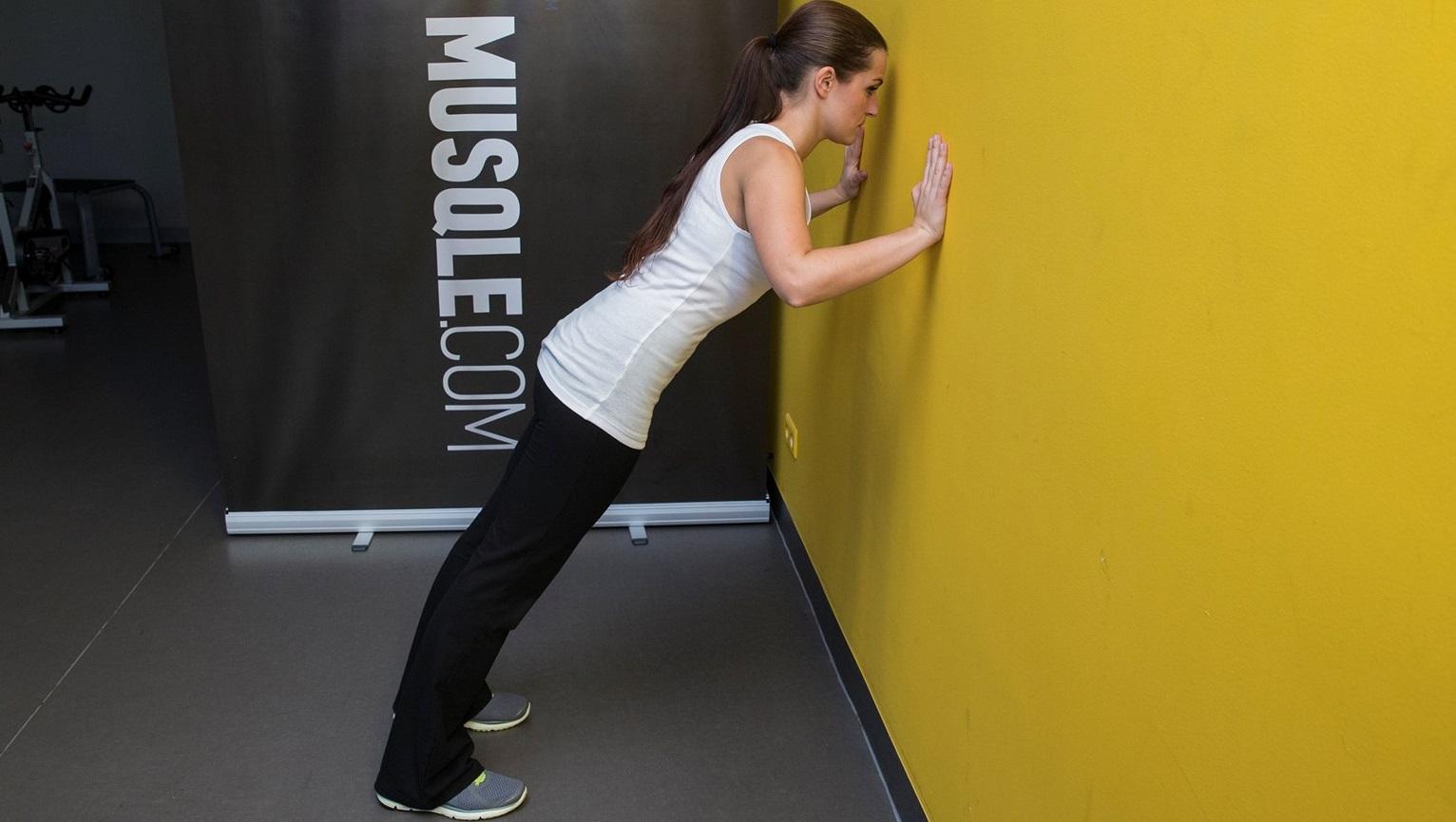 4 exercices anti cellulite pour muscler ses bras cellublue. Black Bedroom Furniture Sets. Home Design Ideas