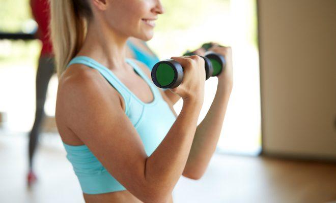 Ma routine express anti-cellulite spéciale bras : 10mn pour être au top !
