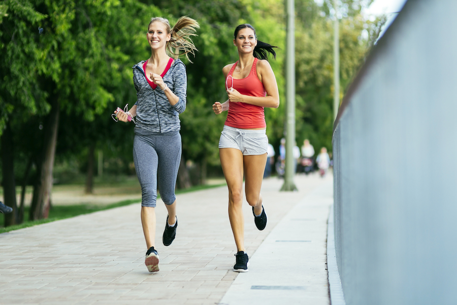 Courir pour maigrir faut il privil gier des s ances - Courir sur un tapis de course fait il maigrir ...